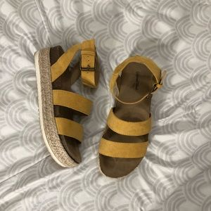 Shoes - Yellow sandals with platform